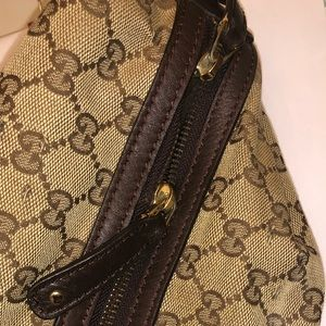 Authentic Gucci bag with matching wallet